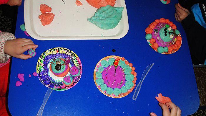 幼儿园蛋糕盘画作品;